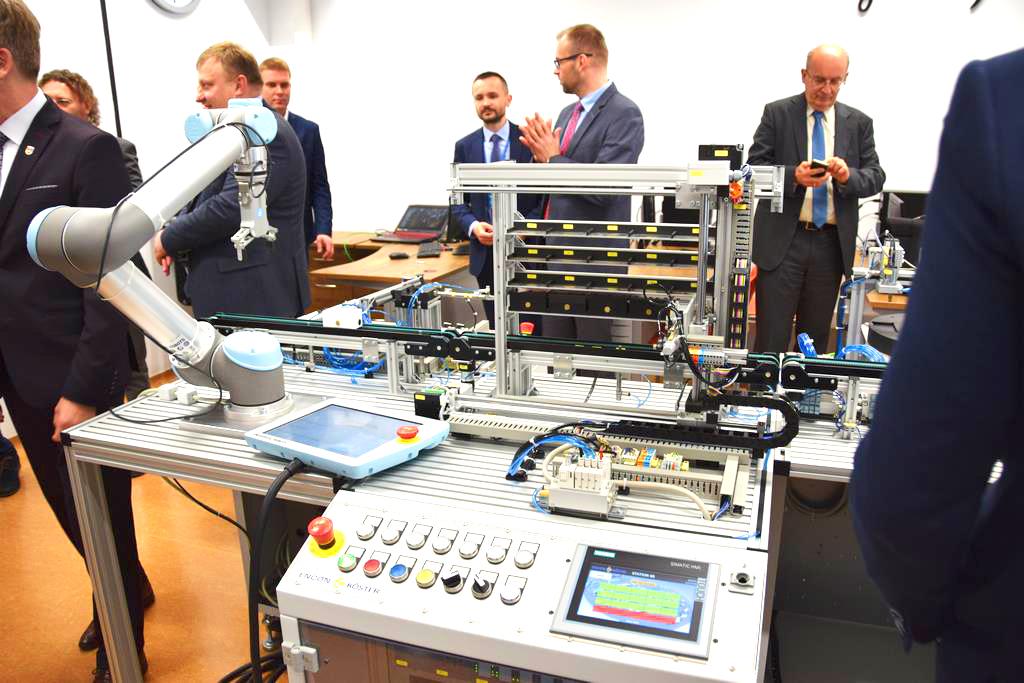 pracownia mecharoniczna w Turku Siemens